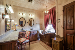 A real estate photograph of a country bathroom at a real estate listing in Wichita Falls, Texas